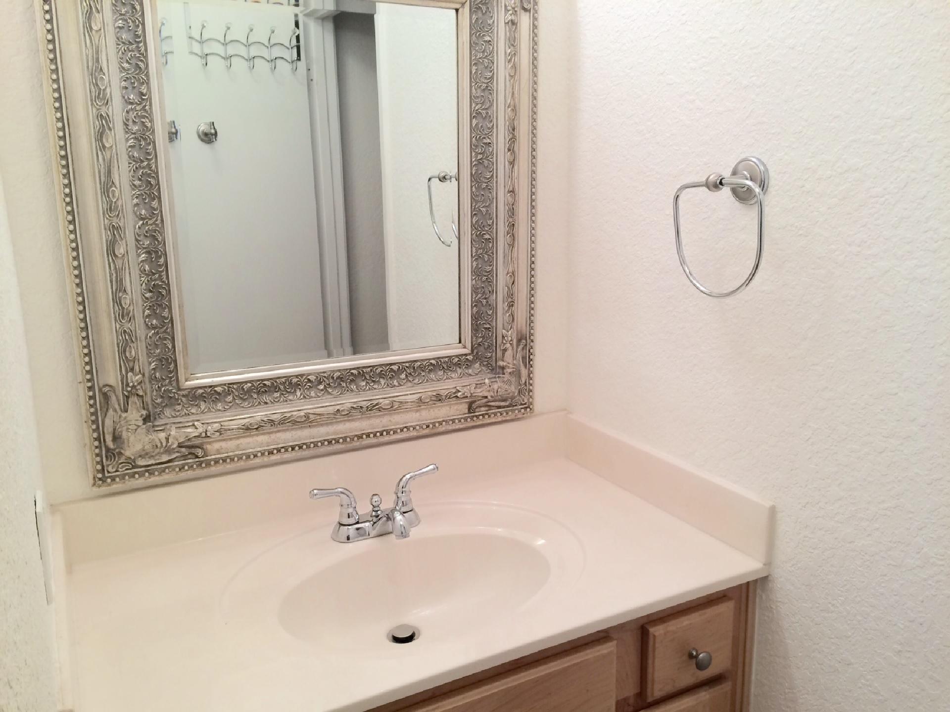condo-bedroom-1-bath